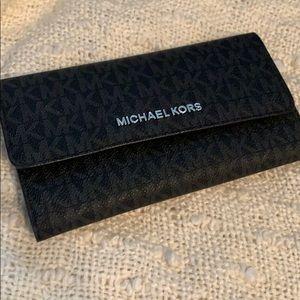 Michael KORS Wallet BRAND NEW NEVER USED